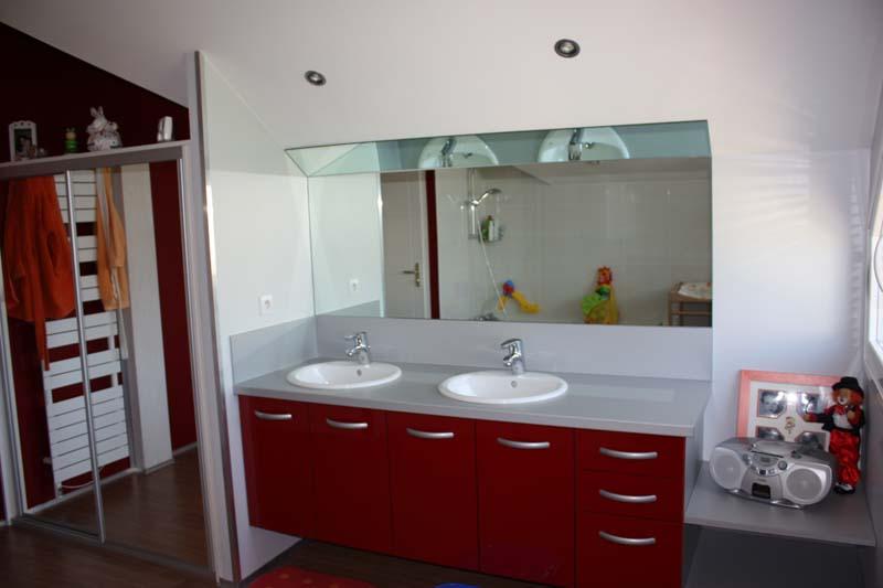 Wc et salle de bains r nov s voiron a demeure services for Salle de bain a l italienne avec wc