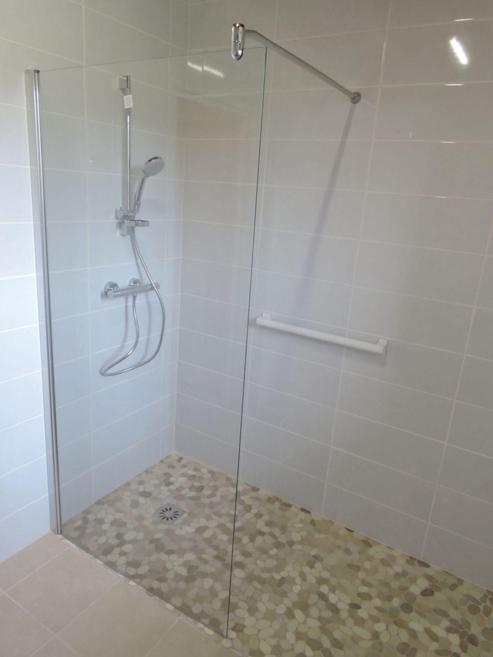douche italienne moirans a demeure services izeaux 38. Black Bedroom Furniture Sets. Home Design Ideas